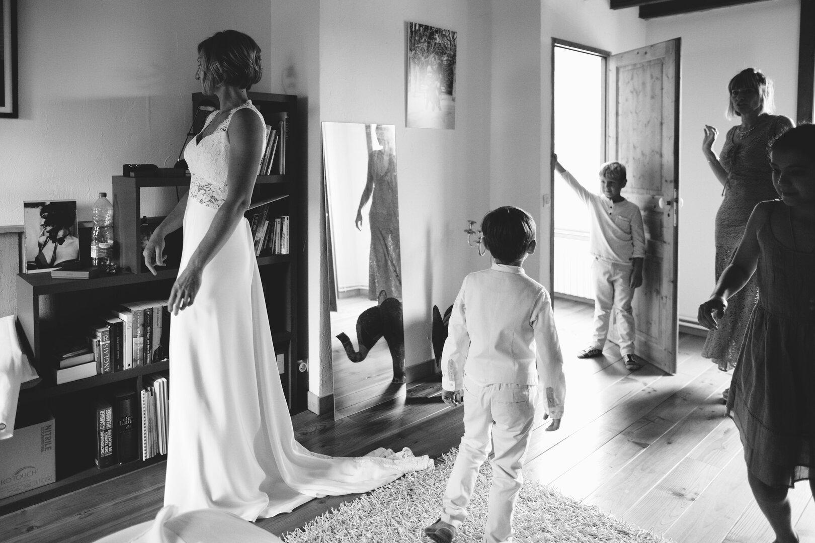préparatifs de la mariée à la maison