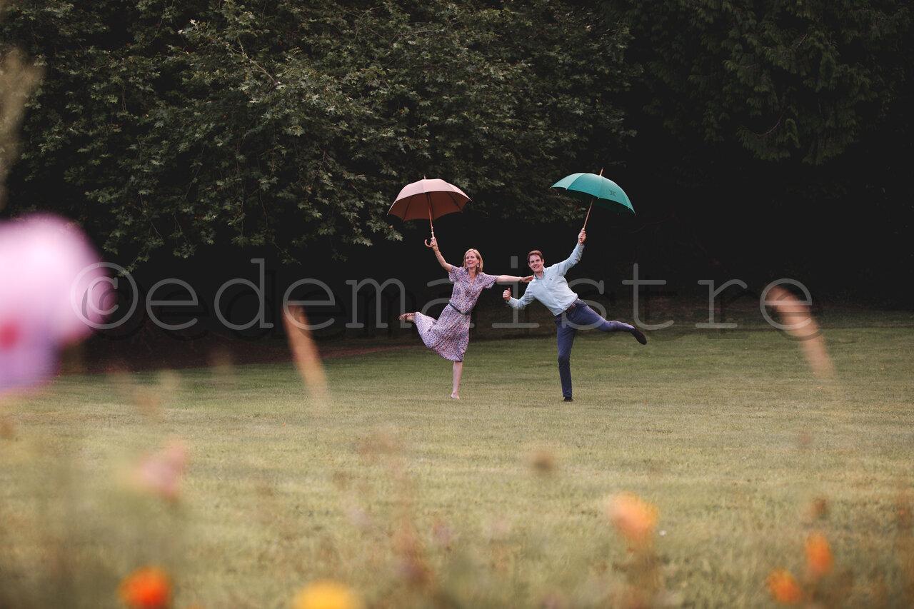 danse des parapluies